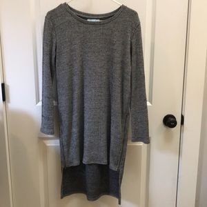 Marked black and white high/low tunic small